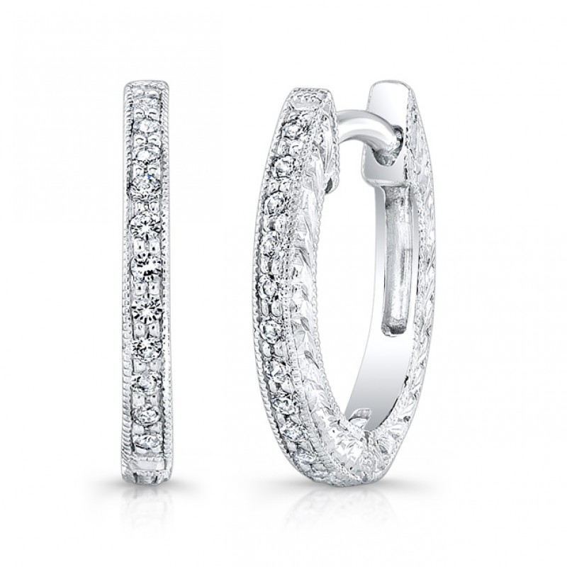Engraved Diamond Earring.